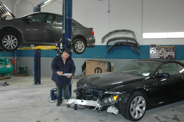 Village Line Auto Body Repair Shop Long Island S Trusted